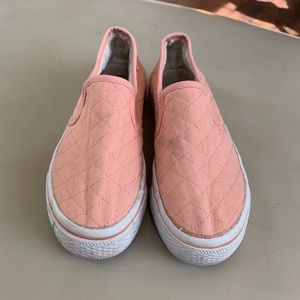 3x$20 Slip on style peach flatform loafers 6.5